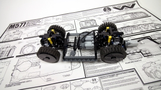 Paul (aka Sariel) of Warsaw, Poland, used Graham's spot-on ALIENS APC blueprint poster to make a LEGO version of the Colonial Marines' vehicle.