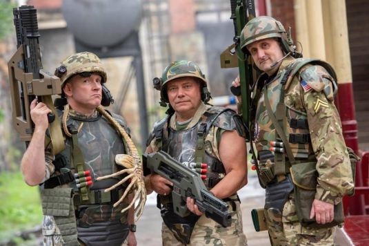 Andy Rowlands (center), part of an imposing squad of Colonial Marines!
